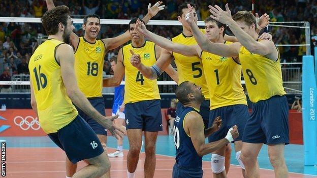 Русские волейболисты вышли вполуфиналОИ