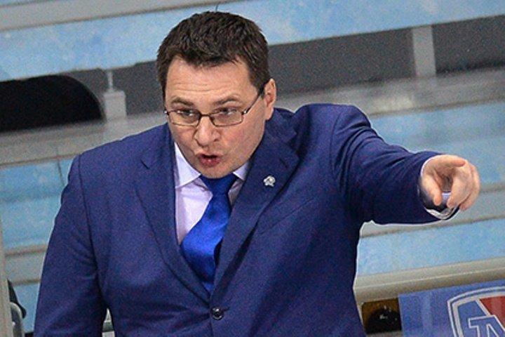 Сезон КХЛ стартовал вНовокузнецке скровавых драк иудалений