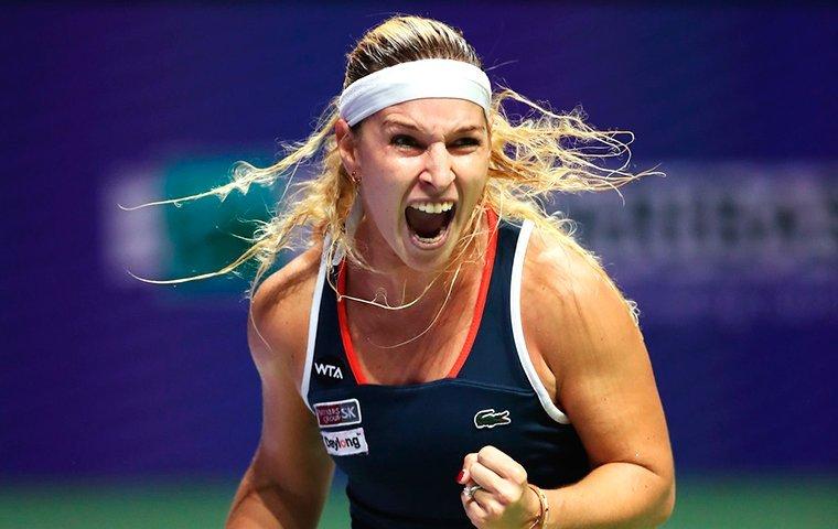 Светлана Кузнецова несмогла пройти вфинал итогового турнира WTA