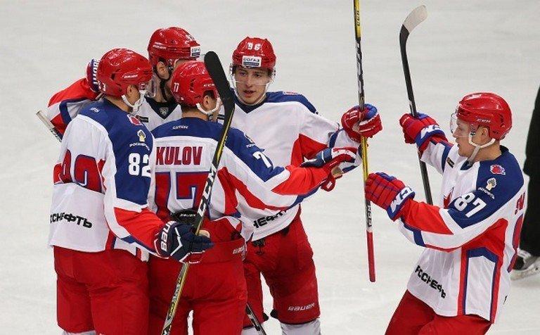 «Друзья СКА» победили вблаготворительном хоккейном матче «Друзей Ковальчука»