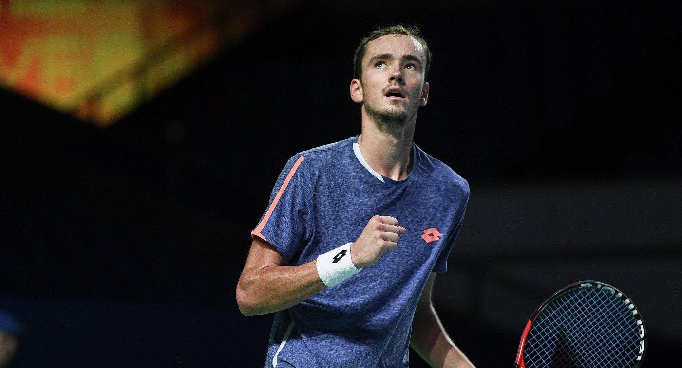 Ставки на матч Федерер — Медведев, прогноз на теннис от 11.10.2018