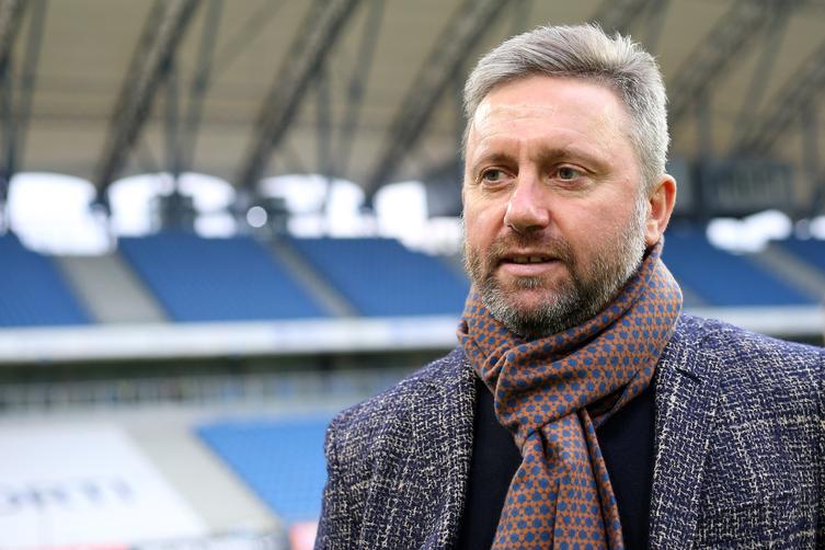 Бржечек назначен основным тренером сборной Польши