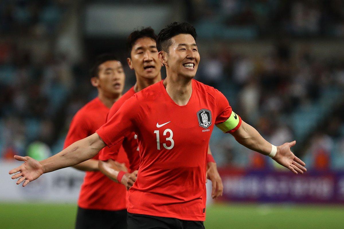 Инфантино посетил матч отбора ЧМ-2022 между Северной иЮжной Кореей