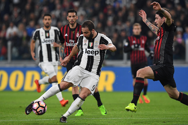 «Ювентус» — «Милан». Какие ставки на матч предлагают наши эксперты