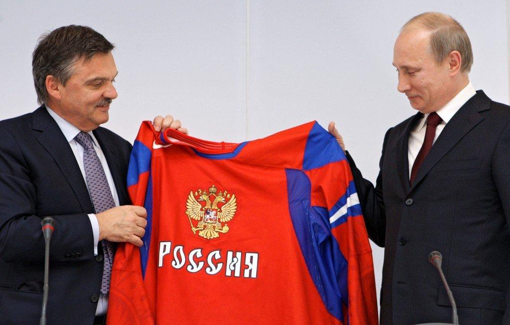 Президент ИИХФ Рене Фазель и Владимир Путин